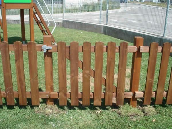 Puerta de la valla de madera de exterior - Puertas de valla ...