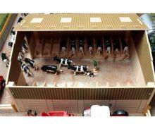Granja para vacas a escala 1:32 Brushwood Toys BB9200 - Ítem1