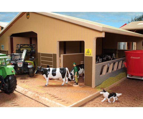 Almacén y granja de vacas para miniaturas a escala 1:32 Brushwood Toys BT4000 - Ítem2