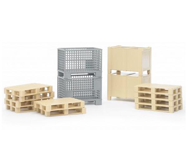 Palets y cajas (10 palets, 2 jaulas y 2 cajas de madera)