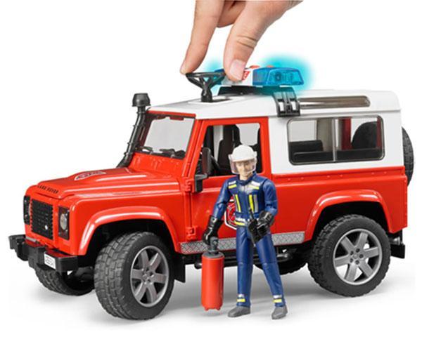 Todoterreno de juguete LAND ROVER DEFENDER con 1 bombero Bruder 02596 - Ítem4