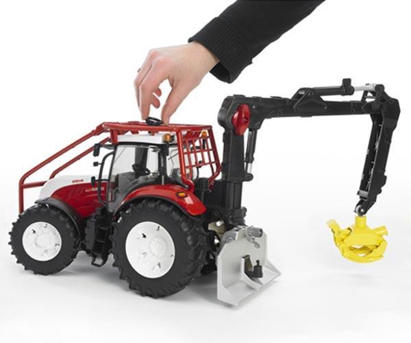 Pack tractor forestal de juguete STEYR CVT 6230 + 4 troncos - Ítem3