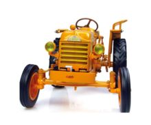 Replica tractor RENAULT D22 (1956 ) Universal Hobbies UH4258 - Ítem1