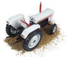 Replica tractor DAVID BROWN 995 (1972) Universal Hobbies UH4884 - Ítem1