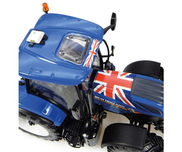 Réplica tractor NEW HOLLAND T7.225 Union Jack Edition Universal Hobbies UH4901 - Ítem2
