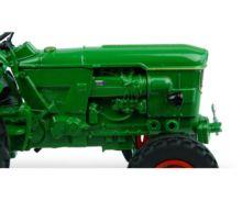 UNIVERSAL HOBBIES 1:32 Tractor DEUTZ D6005 -2 WD - Ítem4