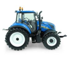 UNIVERSAL HOBBIES 1:32 Tractor NEW HOLLAND T5.110 UU5264 - Ítem3