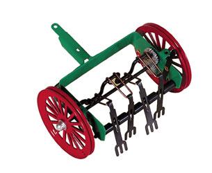 Volteador de heno para tractores de cuerda