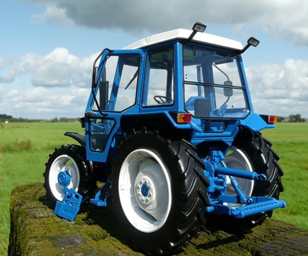 Replica tractor FORD 7610 4WD - Ítem8