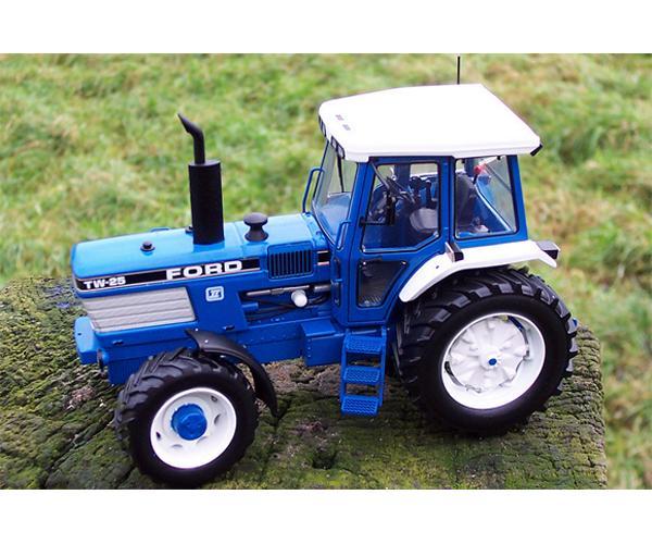Replica tractor FORD TW25 Gen.2 - Ítem2