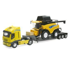 Miniatura camion IVECO con cosechadora NEW HOLLAND CR9090 New Ray 05653