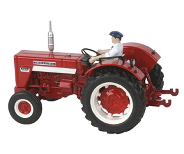 Replica tractor INTERNATIONAL 624 con conductor