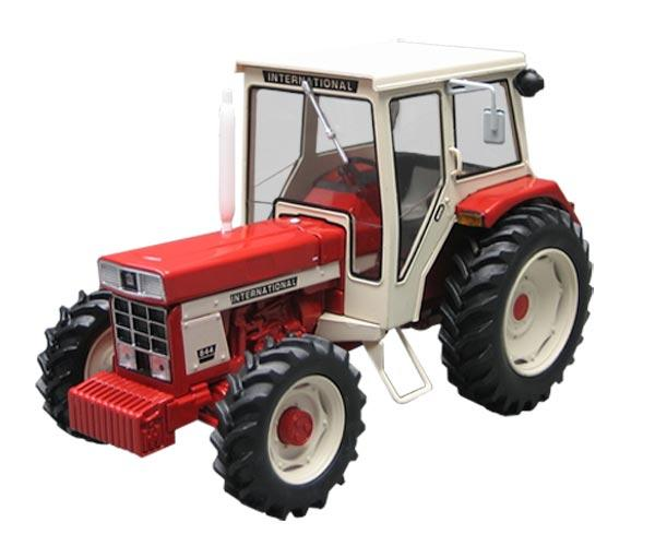 Replica tractor INTERNATIONAL 844