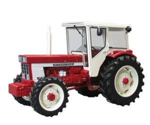 Replica tractor INTERNATIONAL 1046