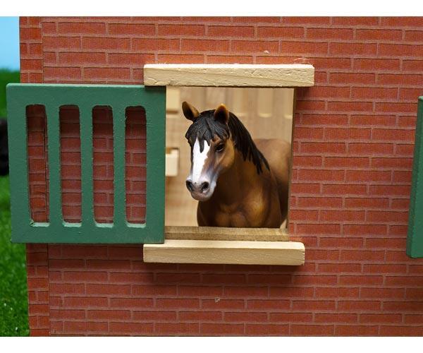 Establo de caballos con 7 cuadras - Ítem3