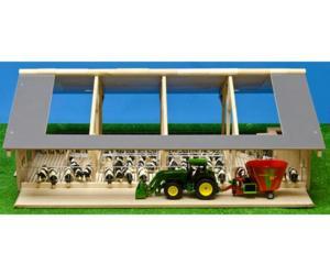 Granja abierta para vacas con cornadiza