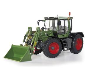 Replica FENDT Xylon 522 con pala