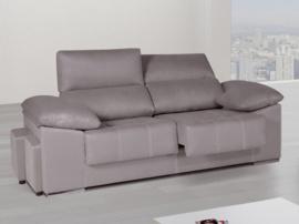 Sofá con pouffs laterales