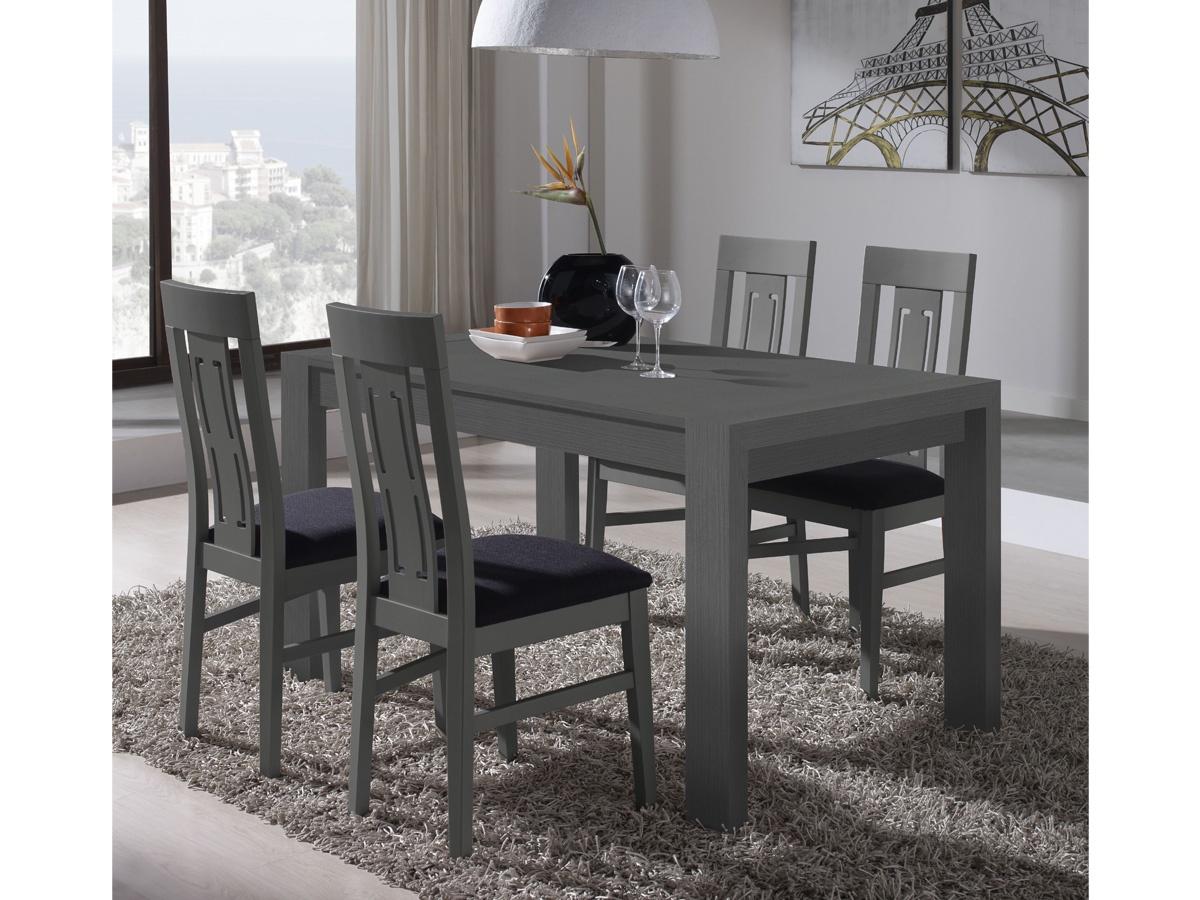 Sal n comedor con mesa de madera y cristal con sillas for Mesas de salon de cristal