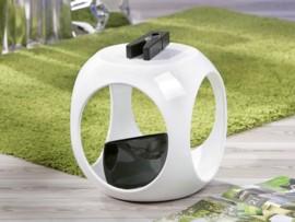 Mesita auxiliar de diseño en forma de cubo
