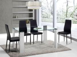 Juego de comedor con mesa y sillas