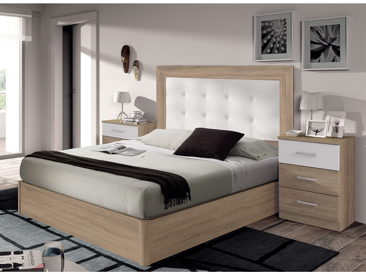 Dormitorio capiton con cabezal tapizado de polipiel y mesitas for Amueblar habitacion matrimonio
