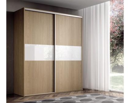 Armario con frente de cristal y puerta corredera for Armario puertas correderas wengue