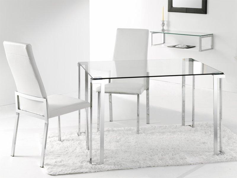 Mesa y sillas de comedor moderno con cristal transparente for Mesas y sillas para comedor