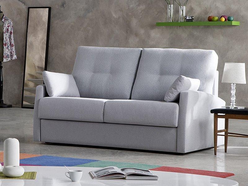 Sof cama italiano de medidas reducidas con colch n amplio for Sofa apertura italiana