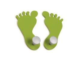 Percha infantil con silueta de pies