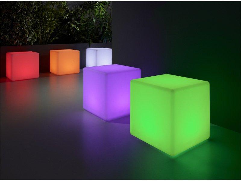 Puff de sal n con iluminaci n led en diferentes colores - Puff para salon ...