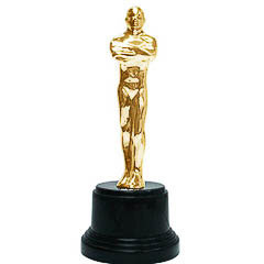 Trofeo hombre dorado con peana negra