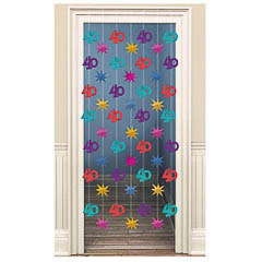 Decoración cortina puerta 40 años