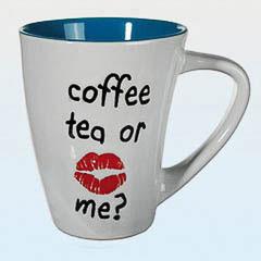 Taza coffe, tea or me?, blanca y azul