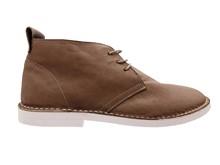 Zapato de cordones en napa color visón. Piso blanco microporoso. Super ligero