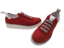 Deportiva slip on en tela y ante de color rojo. Piso blanco de goma ultra confort.