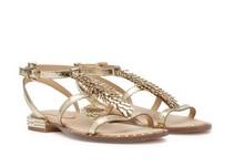 Sandalia plana en piel metalizada dorada. Adorno metalizado en la pala. Piso de cuero.