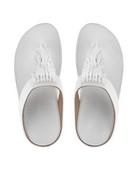 Sandalia de dedo con cuentas metaliazadas. Color blanco. Cuña de 4 cm. de altura. Piso de goma.