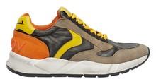 Deportiva en ante, nylon y piel multicolor con piso de goma grueso de goma envejecida.