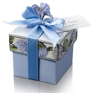 Cajita cuadrada. Detalles de boda, obsequios invitados. Cajitas presentaciones envoltorios regalos relieve textura estampado
