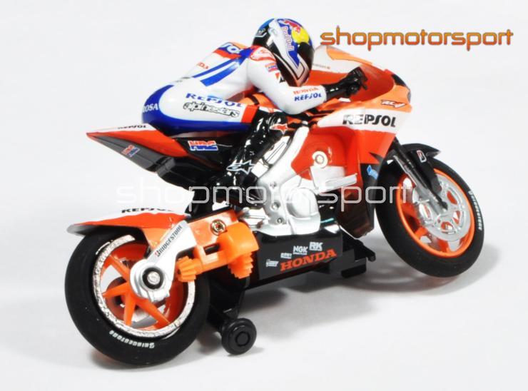 Honda hrc 2010 motogp scalextric compact 3719 for Compact mercedes benz crossword