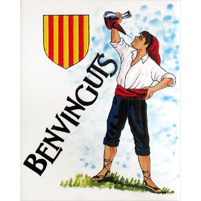 Català alçant el porró i