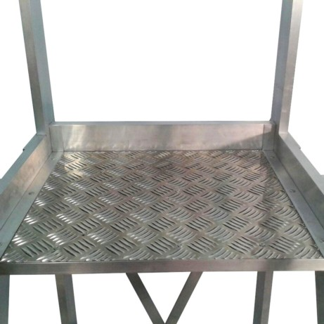 Escalera aluminio con plataforma 60º 4x1