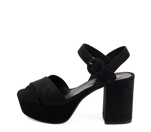 Ref. 3305 Sandalia antelina negro con pala cruzada y pulsera en el tobillo. Altura tacón 9.5 cm y plataforma de 4 cm.