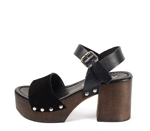 Ref. 3480 Sandalia serraje negro con pulsera al tobillo en piel negro. Altura tacón 8 cm y plataforma de 4.5 cm.