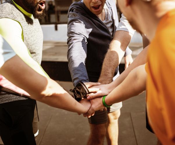 ejercicios al aire libre deporte en equipo