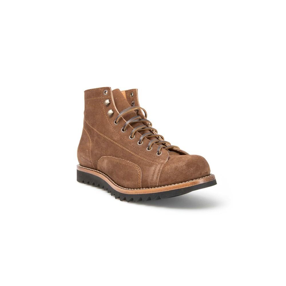 Cómodas botas Sendra de hombre para uso diario. En ante marrón y con cordones. Estilo bota de trabajo. -