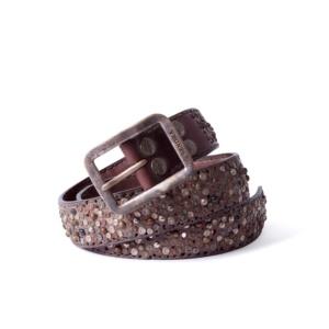 Compra en Noel Western Boots este cinturón Sendra Western de cuero marrón con tachas metálicas modelo 884 con envíos gratis a la península 55890