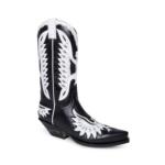 Compra en Noel Western Boots estas botas Sendra Western para mujer en cuero negro con decoraciones en forma de águila en blanco modelo 6990 horma Cuervo con envíos gratis a península clave 61394 - __[GALLERYITEM]__