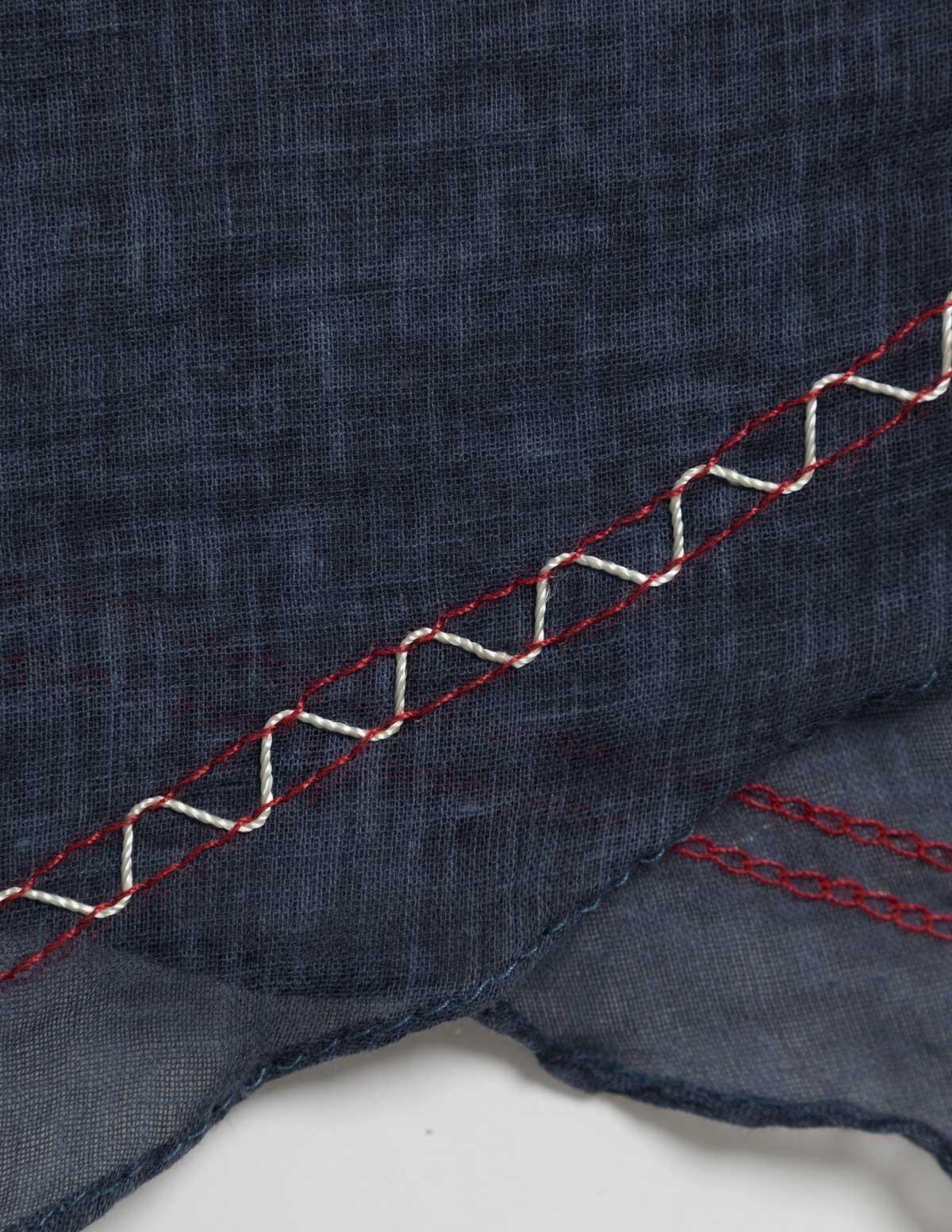Fular básico con bordado - Ítem2